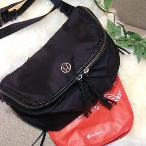 Lululemon fanny crossbody handbag